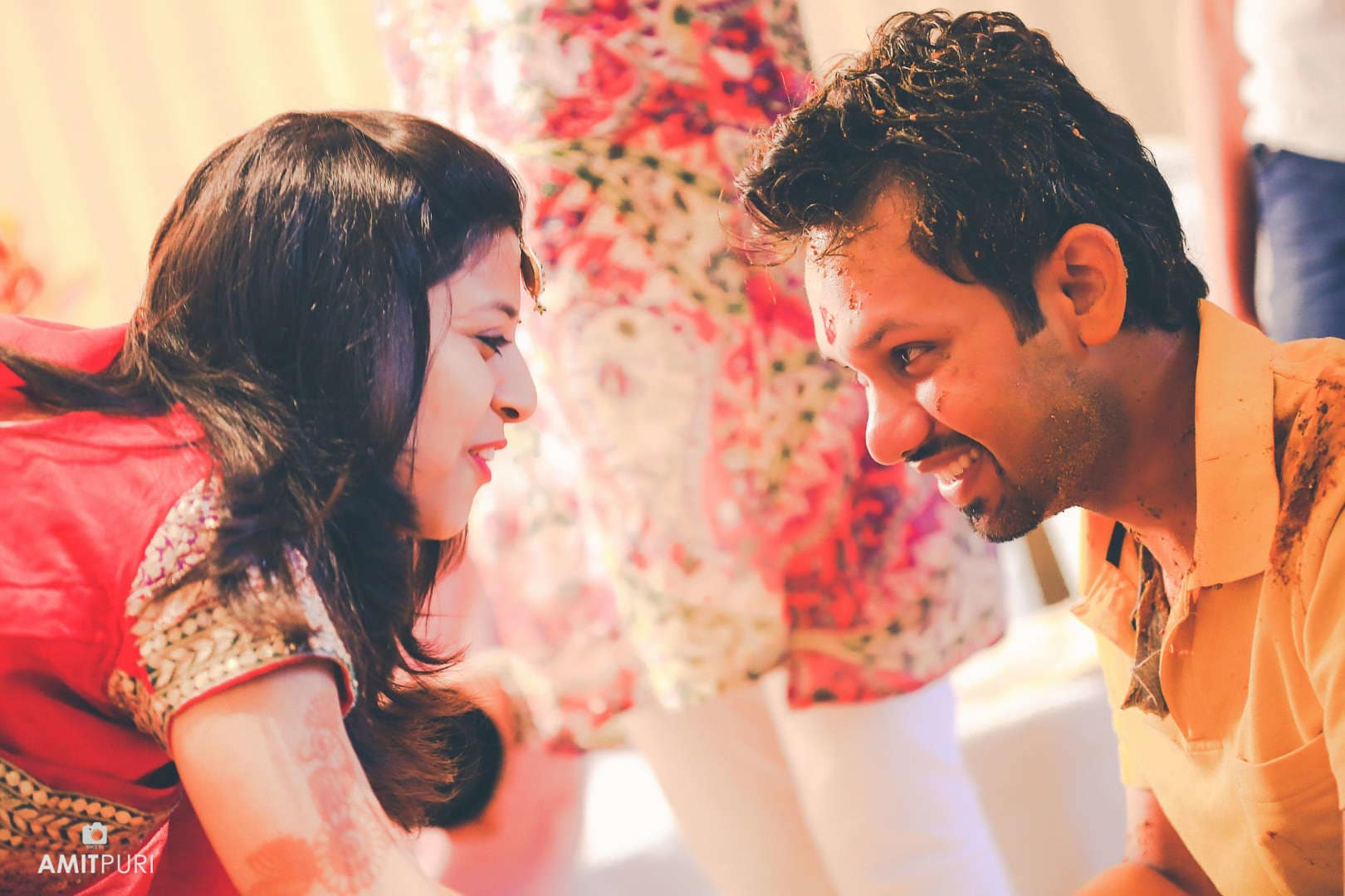 candid clicks of bride and groom:amit puri photography