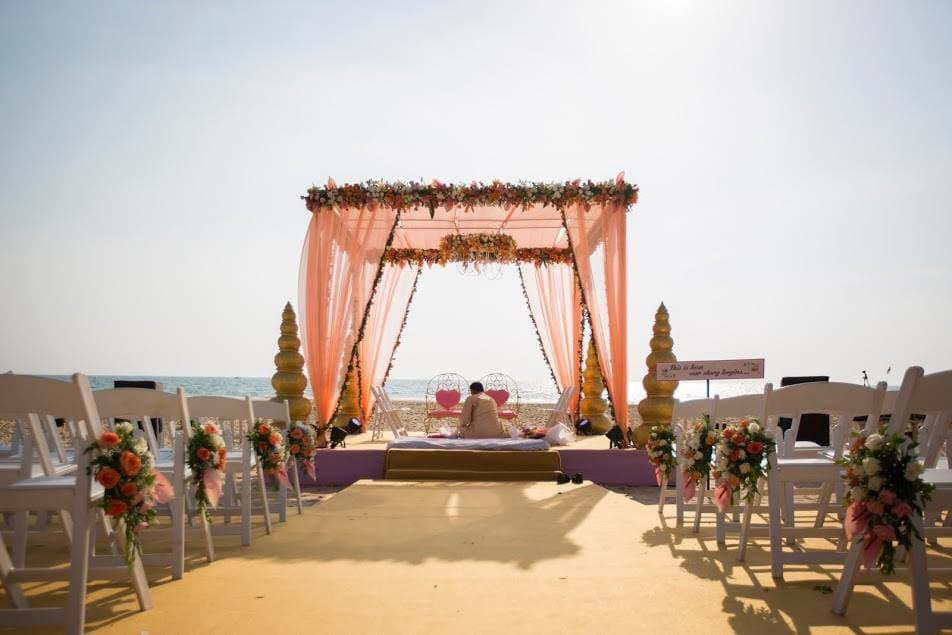 mandap decoration:purple tree event solutions