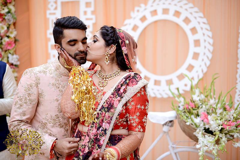 couple candid clicks:mahatta photography