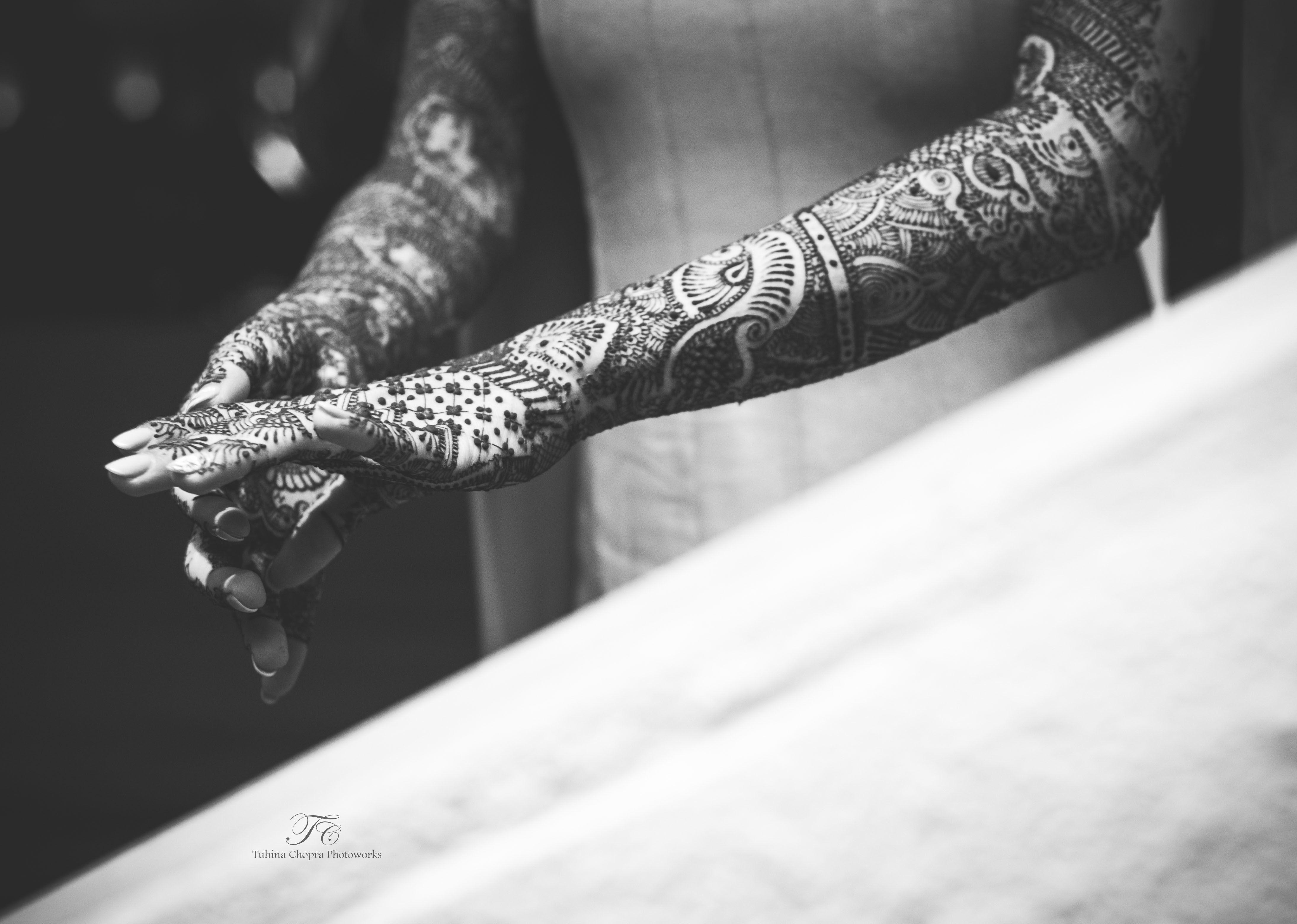 mehandi shoot:tuhina chopra photoworks