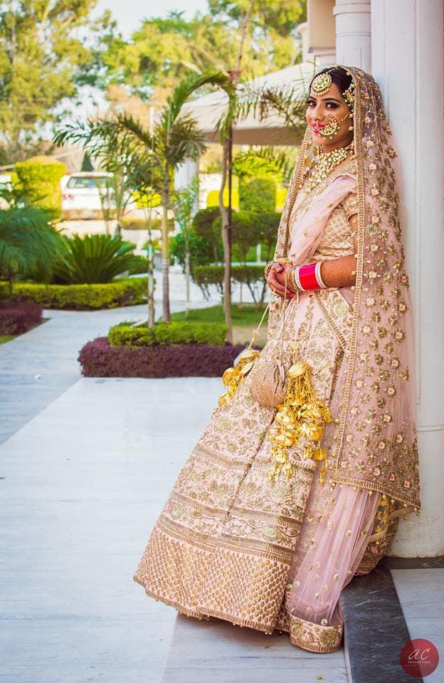 bridal shoot:sabyasachi couture pvt ltd, art capture production