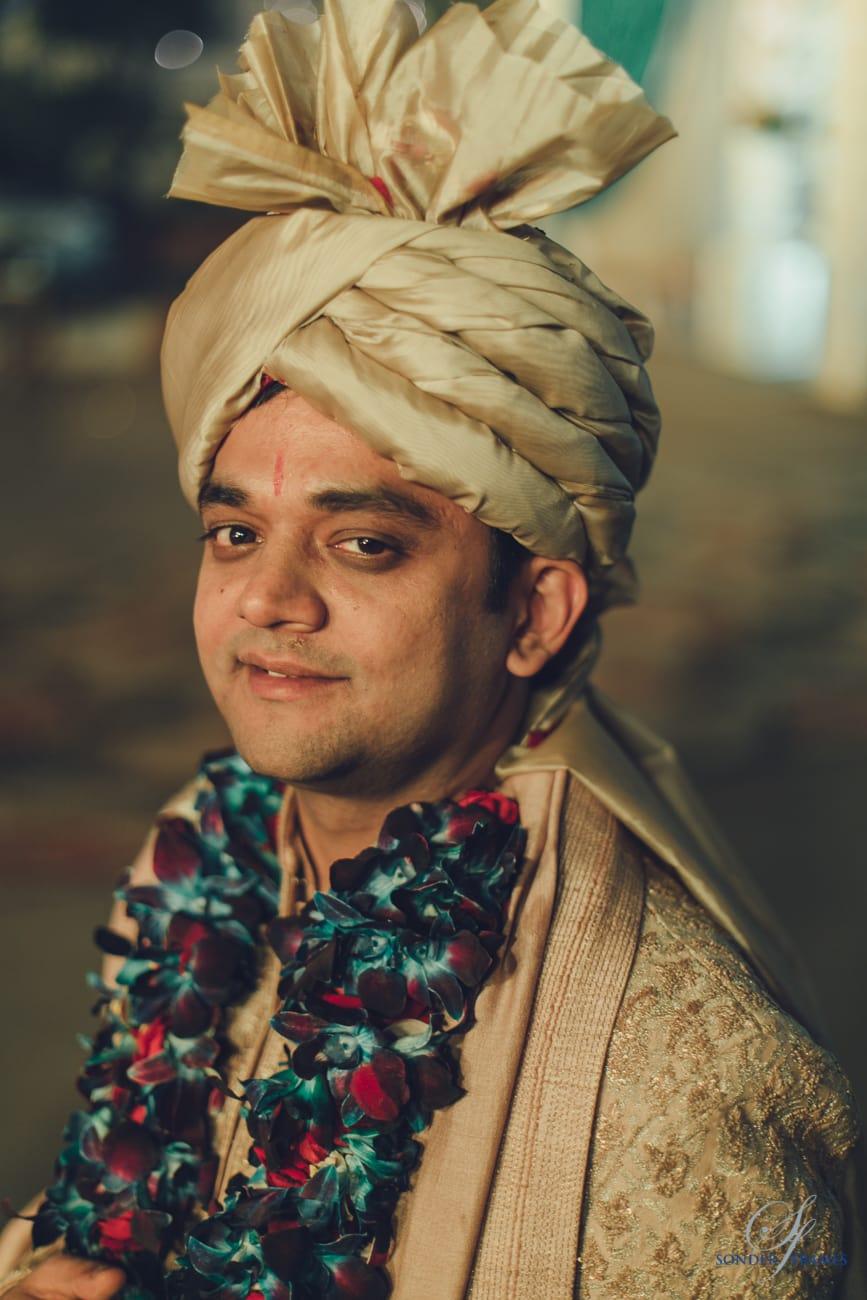 groom photography:bridal makeup by kajal sharma, sonder frames, stallion events