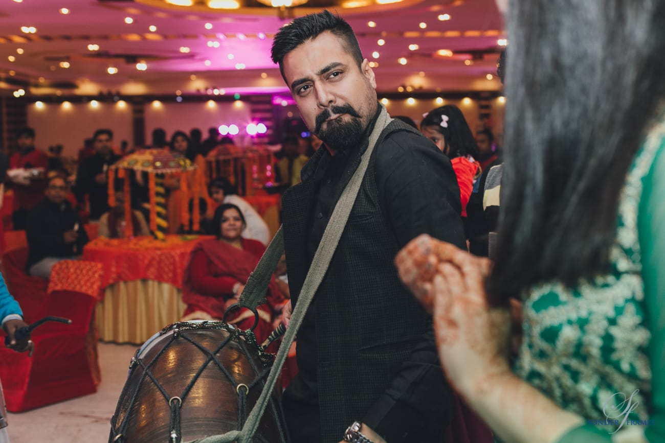 dance at wedding:bridal makeup by kajal sharma, sonder frames, stallion events