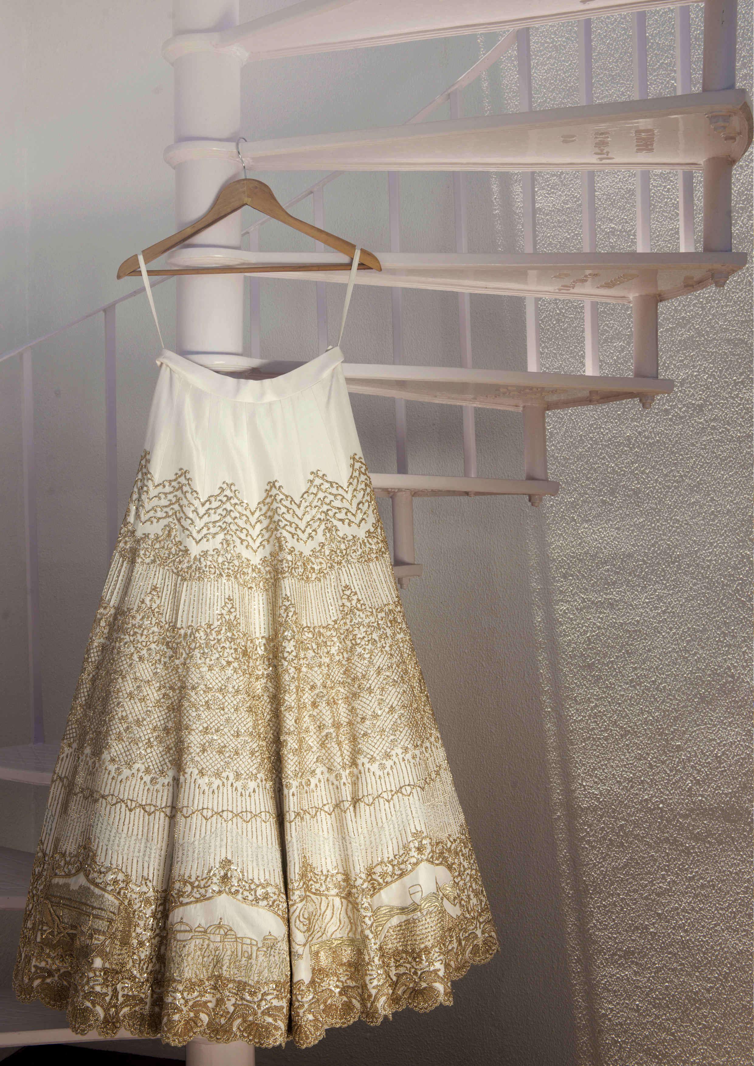 the grand wedding outfit!:tribhovandas bhimji zaveri ltd., namrata soni makup artist