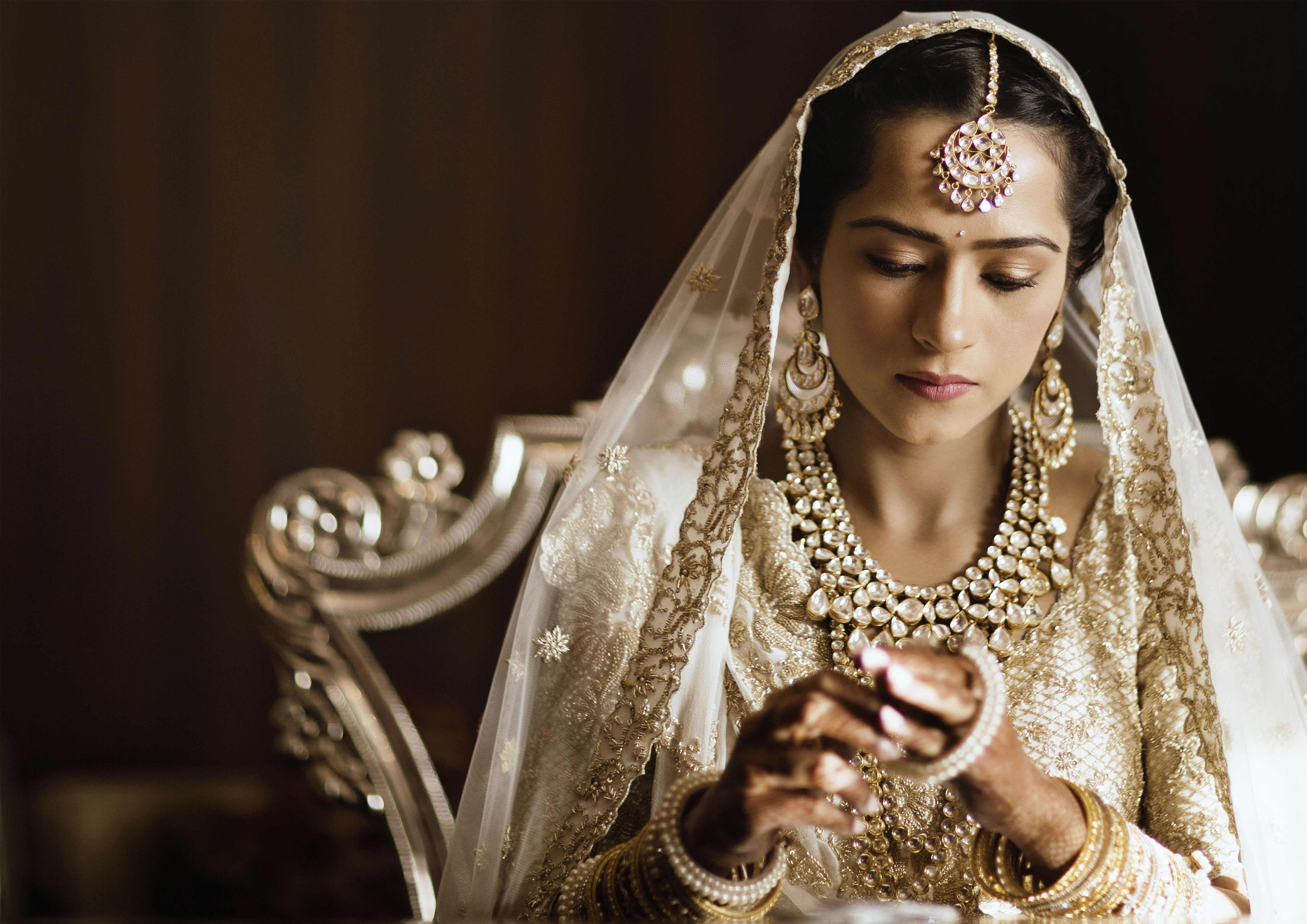 the bride kresha!:tribhovandas bhimji zaveri ltd., namrata soni makup artist