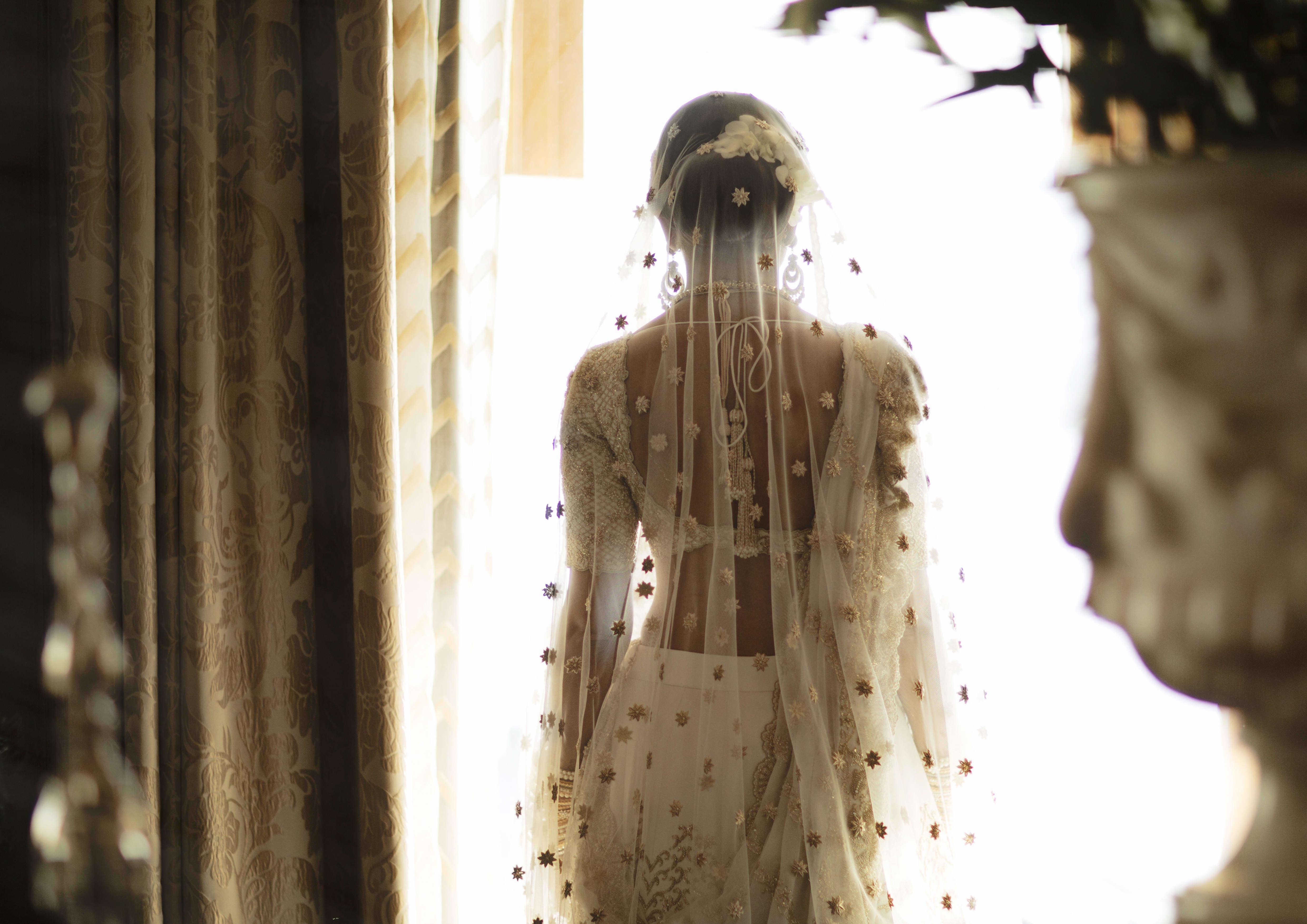 the spectacular bride!:tribhovandas bhimji zaveri ltd., namrata soni makup artist