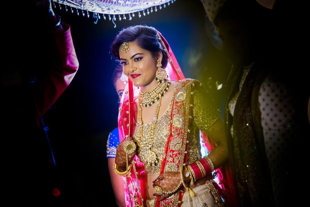 the royal bride!:kundan mehandi art, dipak colour lab pvt ltd, mahima bhatia photography, asiana couture, jasmeet kapany hair and makeup, sabyasachi couture pvt ltd