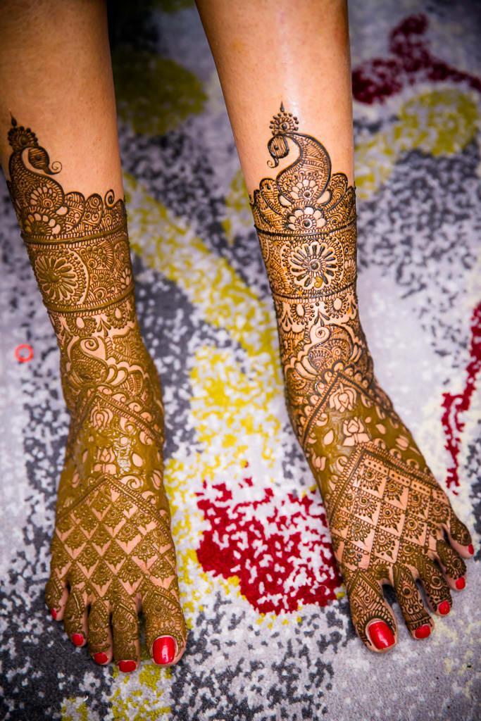 the bridal mehandi!:kundan mehandi art, dipak colour lab pvt ltd, mahima bhatia photography, asiana couture, jasmeet kapany hair and makeup, sabyasachi couture pvt ltd