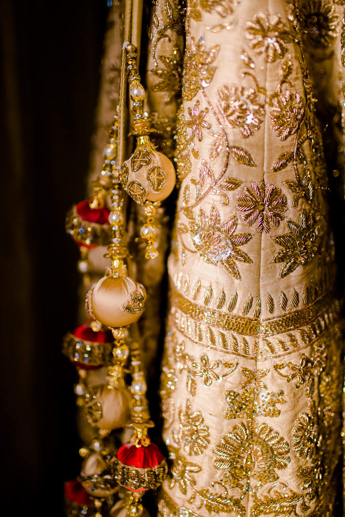 the bridal outfit!:kundan mehandi art, dipak colour lab pvt ltd, mahima bhatia photography, asiana couture, jasmeet kapany hair and makeup, sabyasachi couture pvt ltd