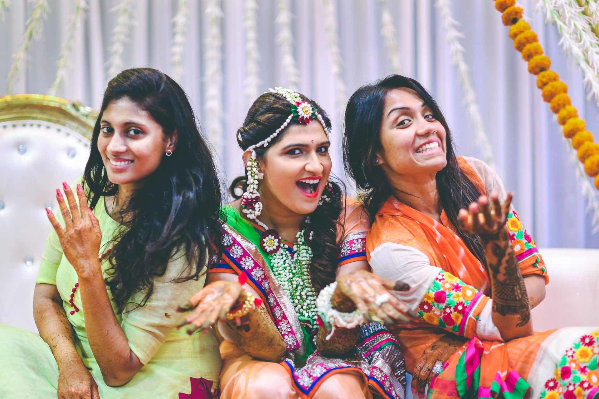 the perfect groupfie!:akshay sansare photography and films