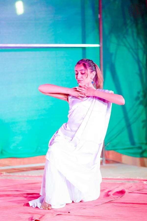dance performance in sangeet ceremony:amour affairs