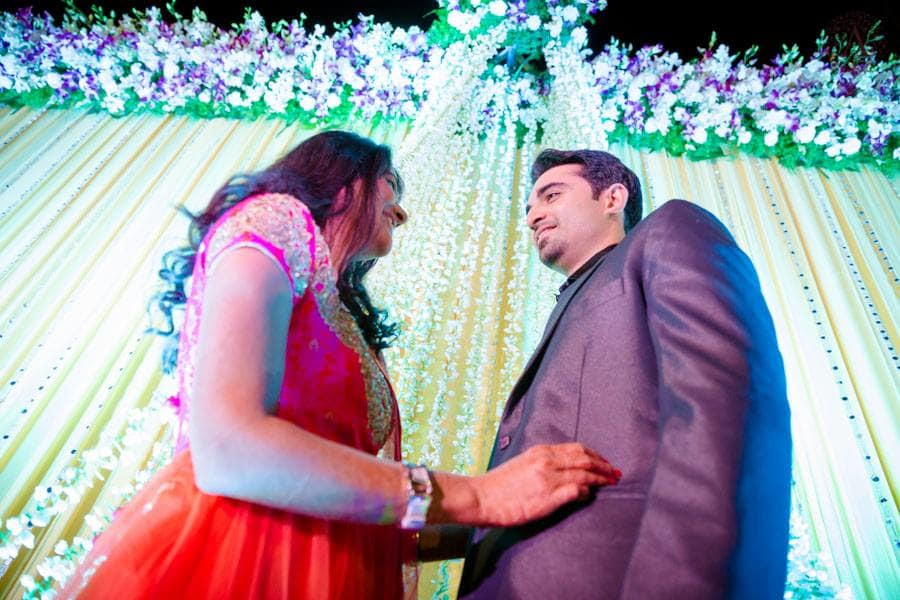 couple photograph in sangeet:amour affairs