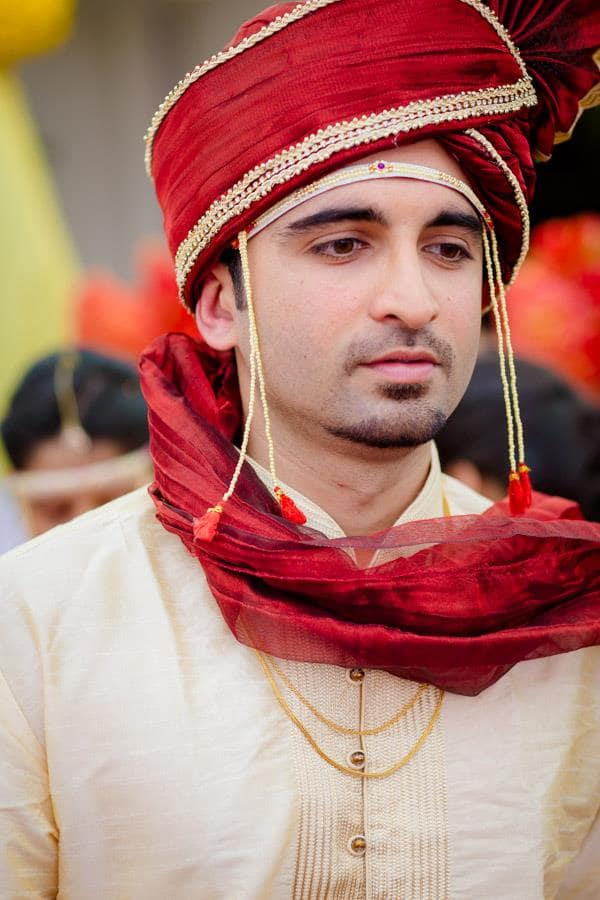 groom with turban:amour affairs