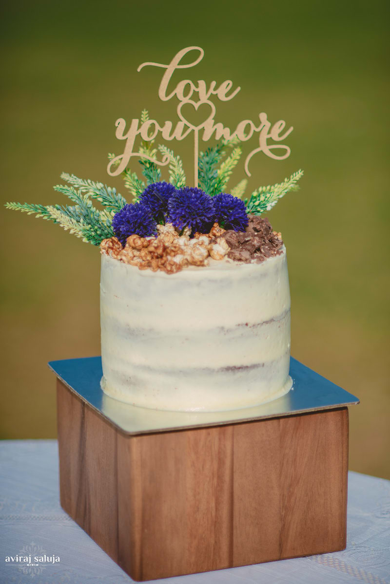 the wedding cake!:aviraj saluja, nancy bhaika, hair and makeup by zareen bala, chandni tent house