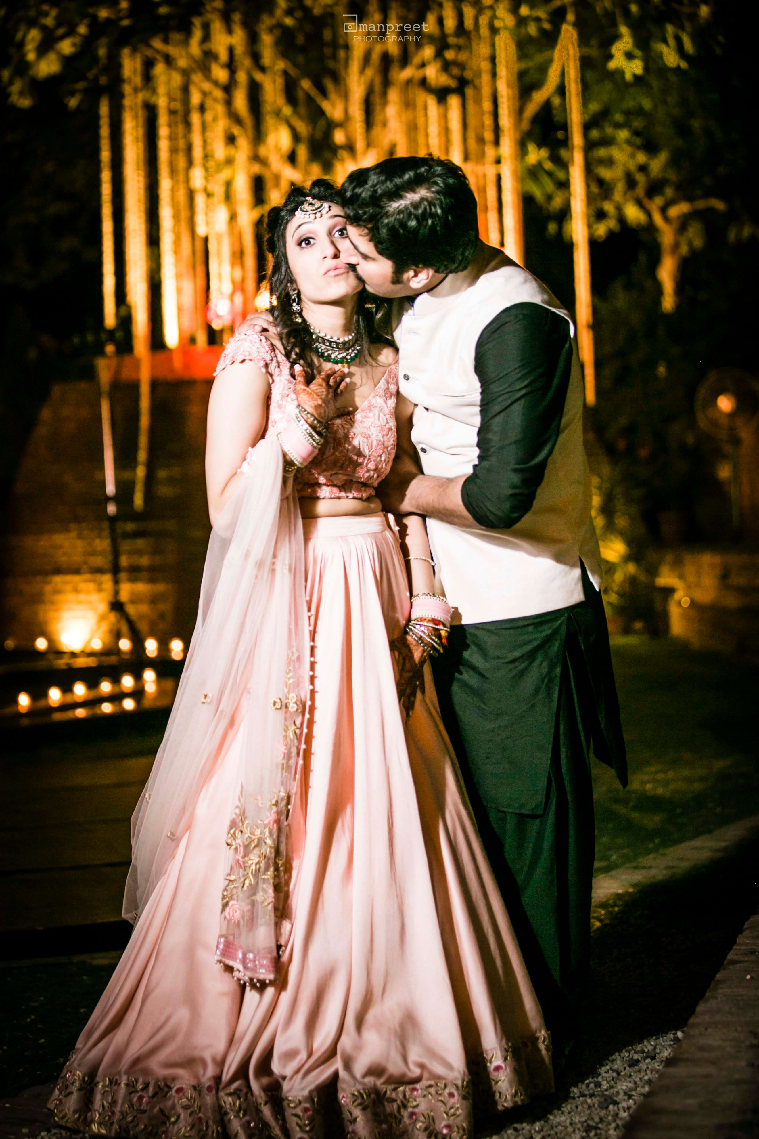 the romantic couple!:geetanjali salon, raju mehandi wala, amanpreet photography, ole couture