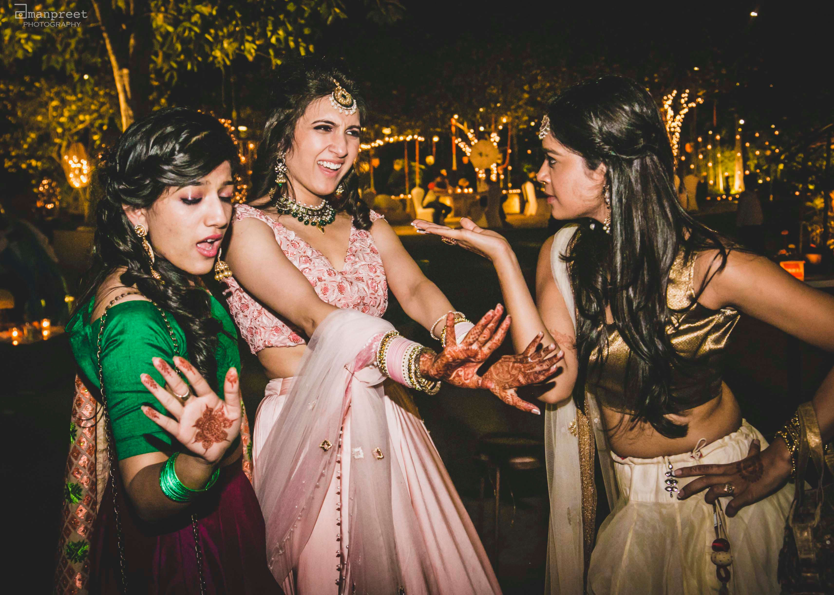 the bride!:geetanjali salon, raju mehandi wala, amanpreet photography, ole couture