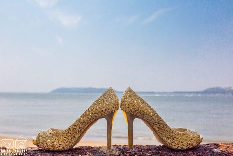 the bridal footwear!:manyavar, going bananas photography, makeovers by sukanya, design tuk tuk