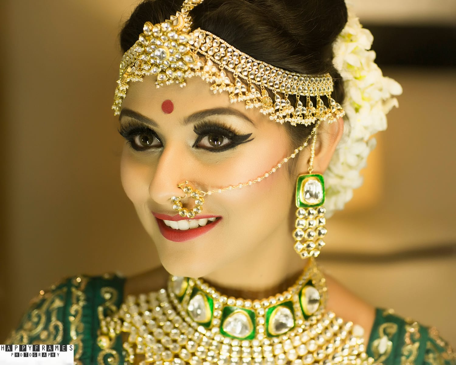the gorgeous bride!:amrapali jewellery, happyframes photography