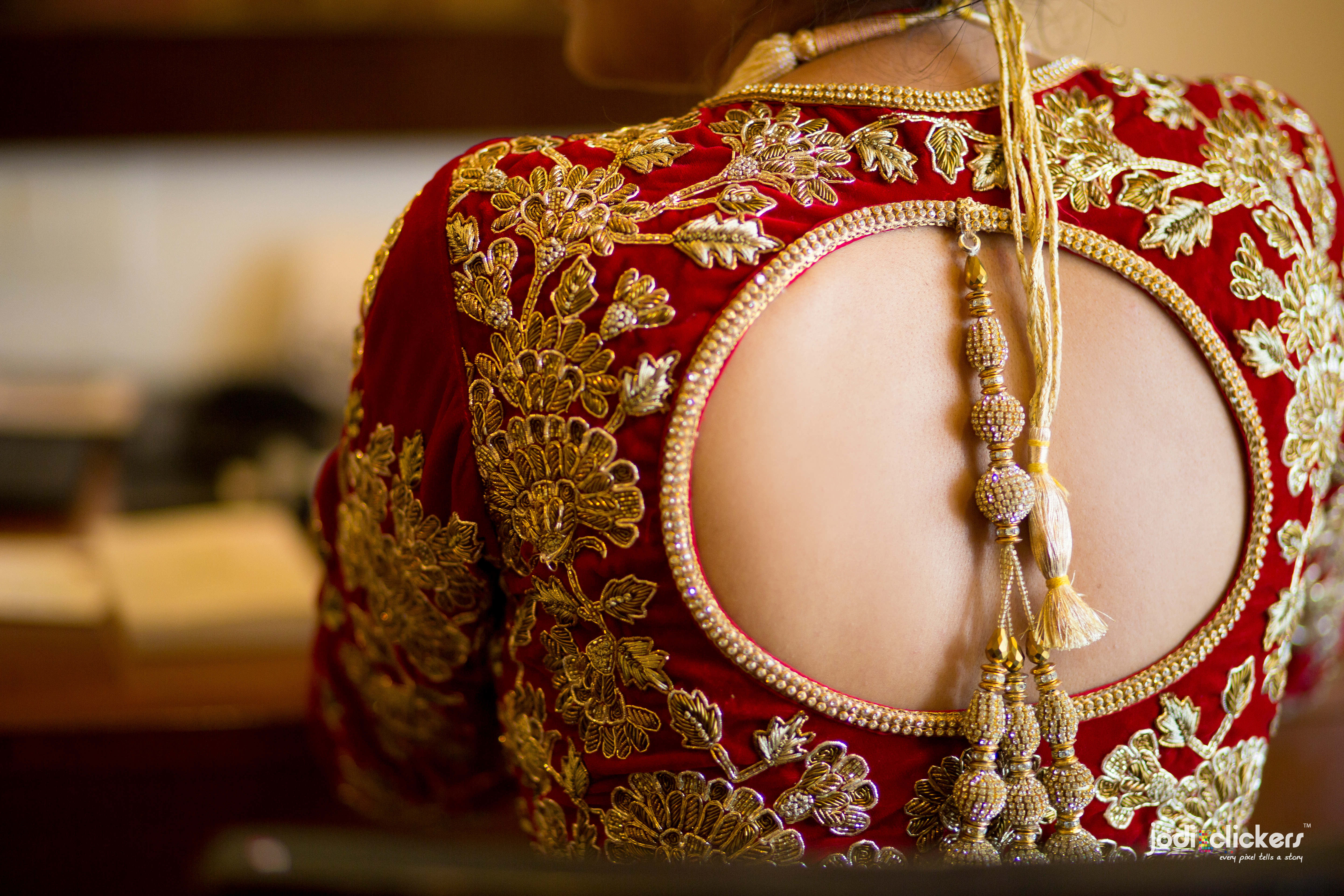the bridal lehenga!:jodi clickers, f5 advertainment, manish malhotra