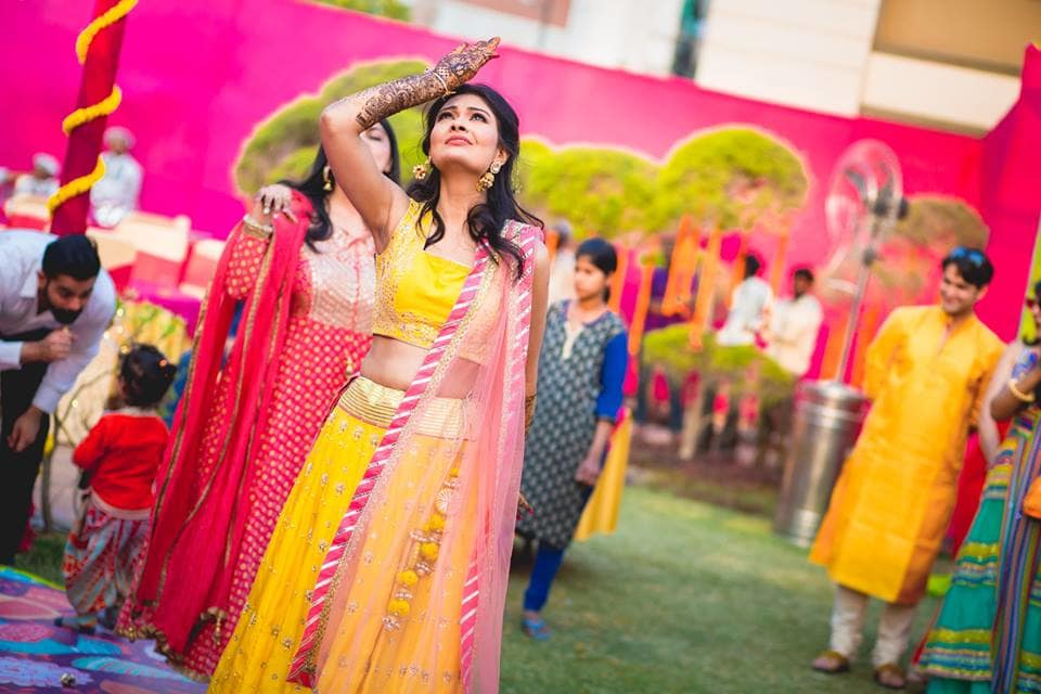 the last dramatic bride pose:girl in pink photography
