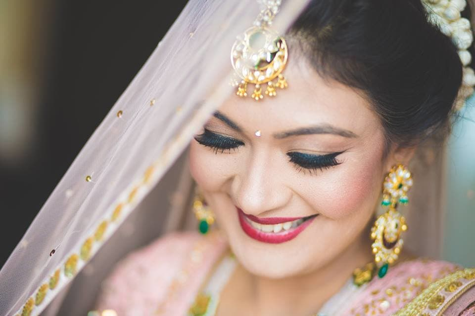 smile bride:girl in pink photography