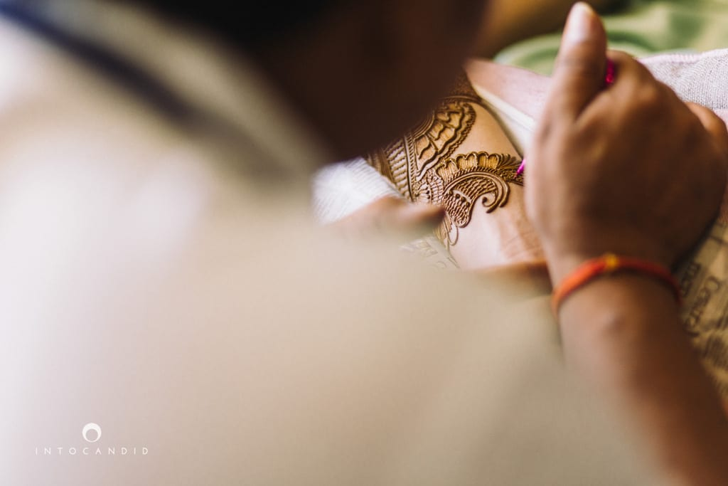 the bridal mehandi!:into candid photography, sabyasachi couture pvt ltd
