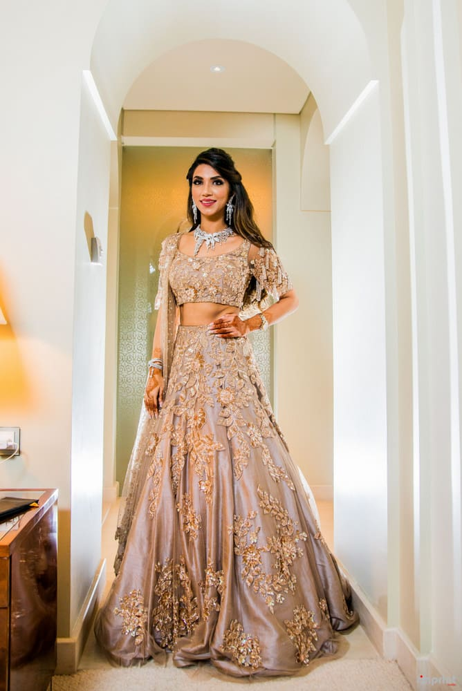 the gorgeous bride!:the entertainment design company, manish malhotra, arpita mehta, sabyasachi couture pvt ltd, umrao jewels