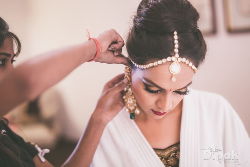 the pretty bride!:dipak studios wedding photography