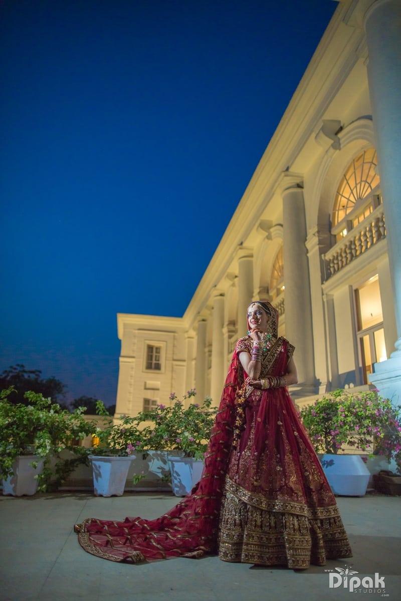 the stunning bride!:dipak studios wedding photography