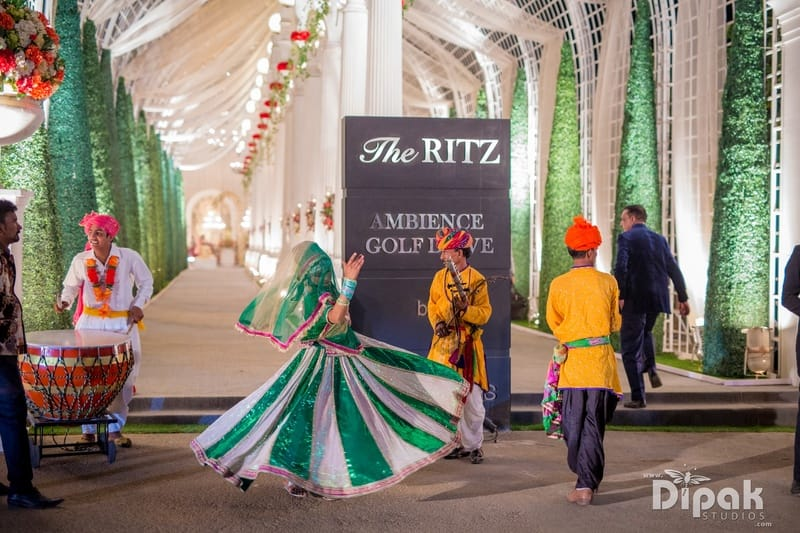 candid clicks!:dipak studios wedding photography