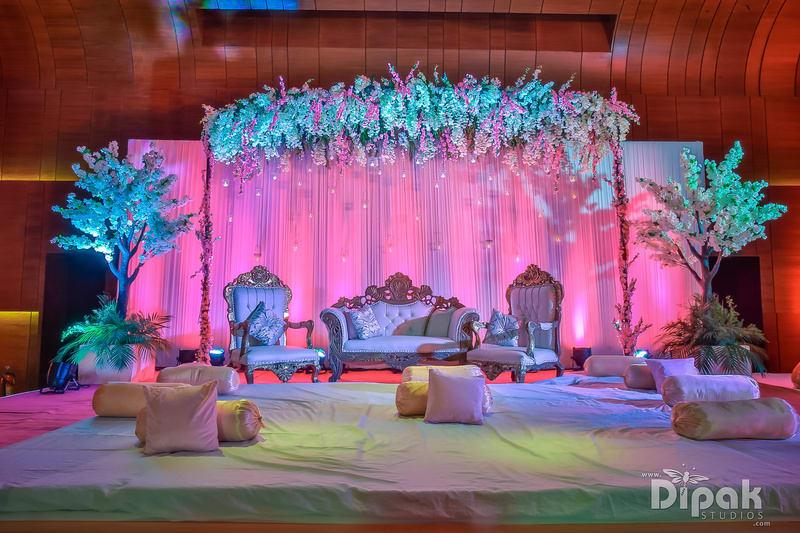 the wedding decoration!:dipak studios wedding photography