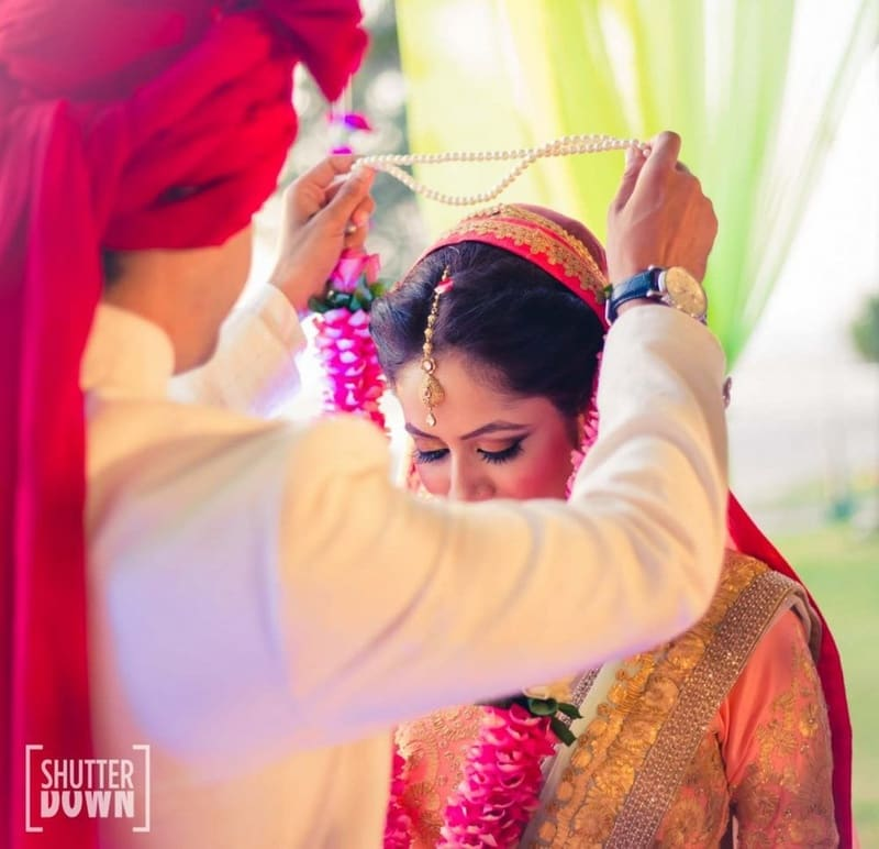 the jai-mala ceremony!:shutterdown photography, sakshi sood makeup artist and hair stylist