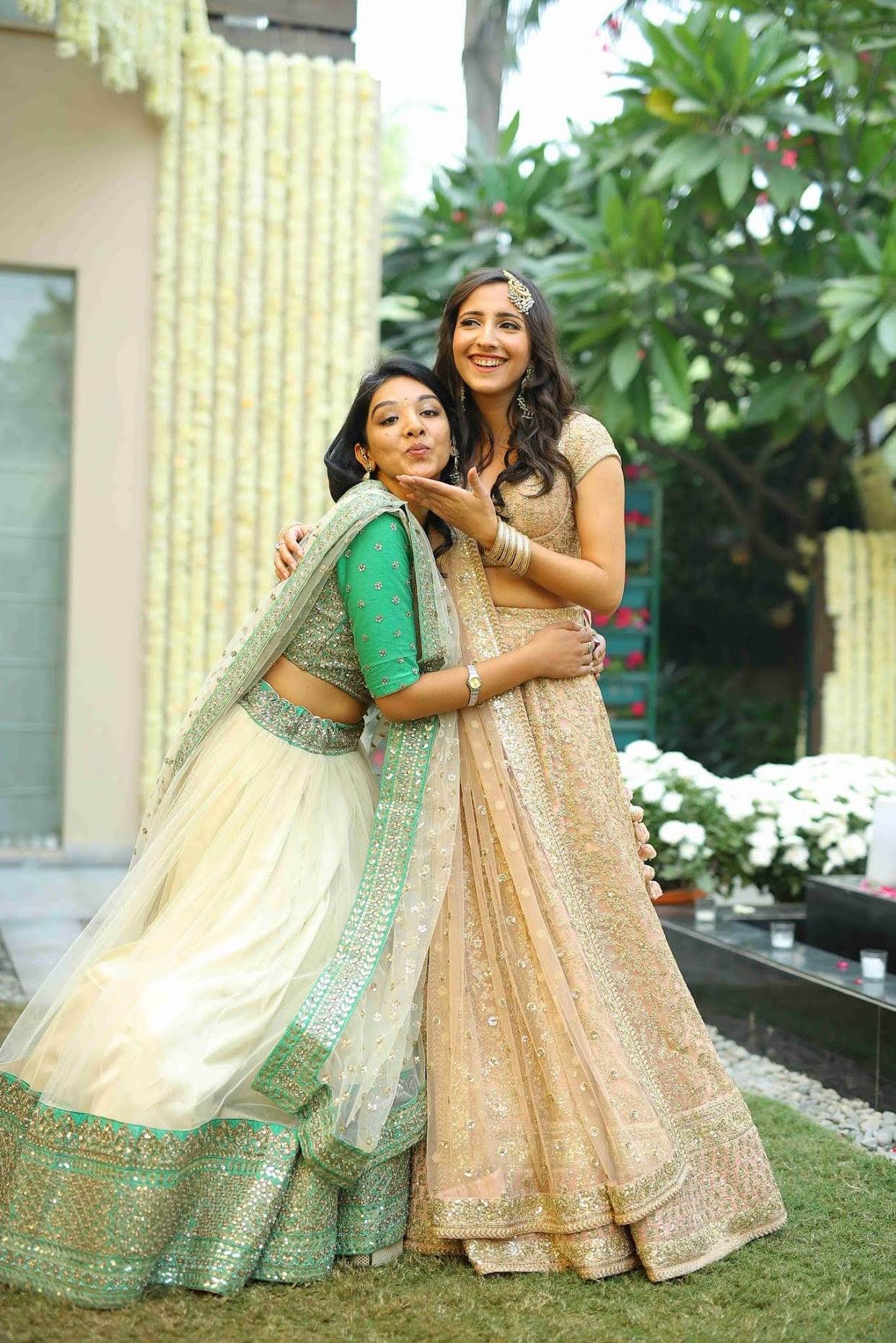 the stunning bride!:tarun tahiliani, rajkamal studio, jasmeet kapany hair and makeup