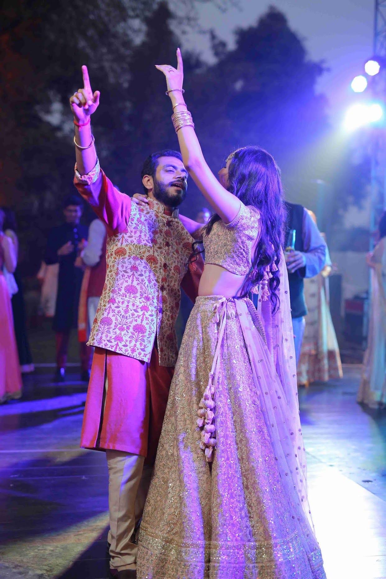 the couple dance!:tarun tahiliani, rajkamal studio, jasmeet kapany hair and makeup