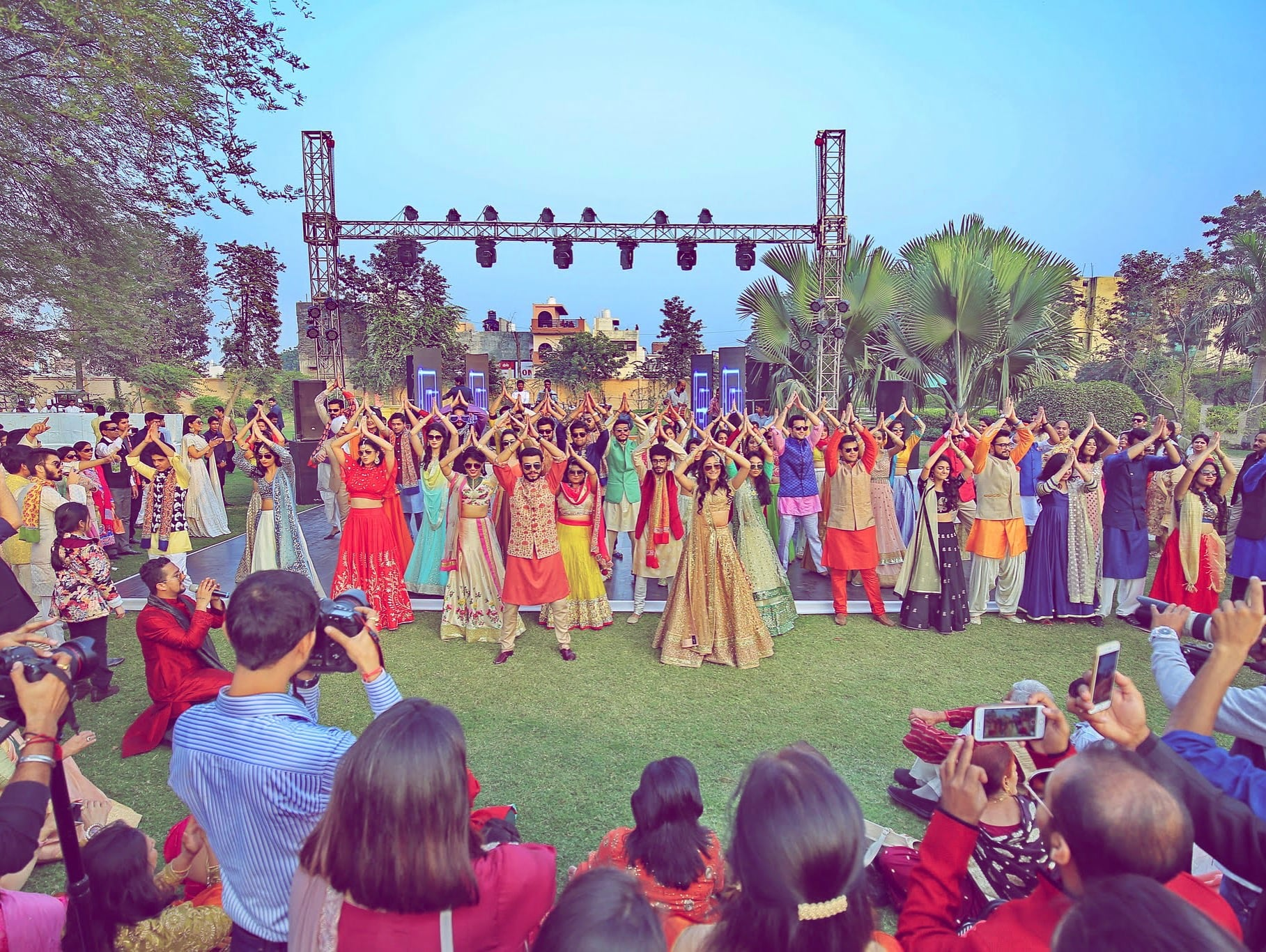 the group dance!:tarun tahiliani, rajkamal studio, jasmeet kapany hair and makeup