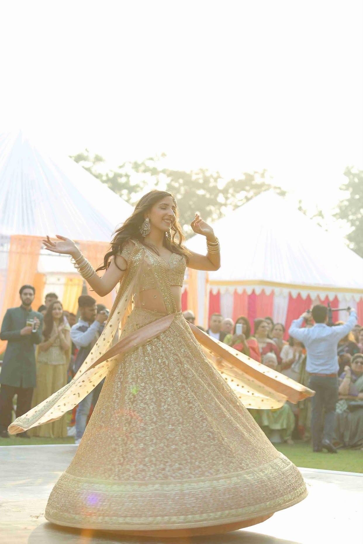 the charming bride!:tarun tahiliani, rajkamal studio, jasmeet kapany hair and makeup