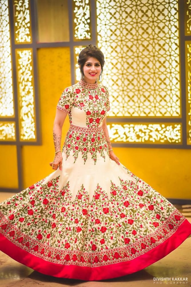 the stunning weddding outfit!:pakeeza plaza, divishth kakkar photography