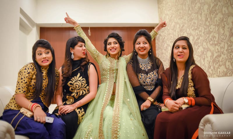 the bride gang!:pakeeza plaza, divishth kakkar photography