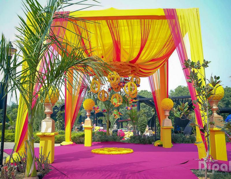 the royal wedding decor!:rakyans fine jewellery, dipak studio and colour lab pvt ltd, saltt catering, house of design, sabyasachi couture pvt ltd, devika sakhuja