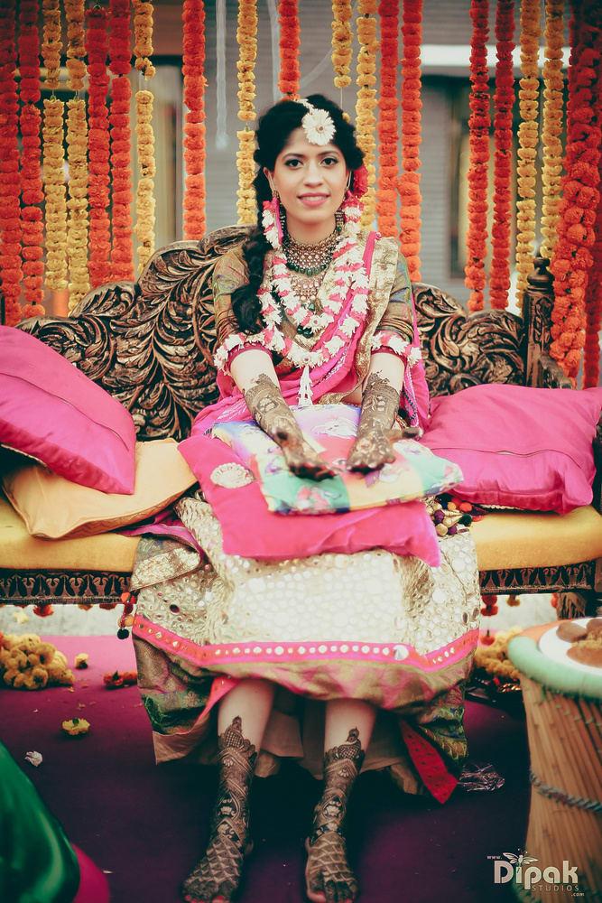 the mehandi ritual!:rakyans fine jewellery, dipak studio and colour lab pvt ltd, saltt catering, house of design, sabyasachi couture pvt ltd, devika sakhuja