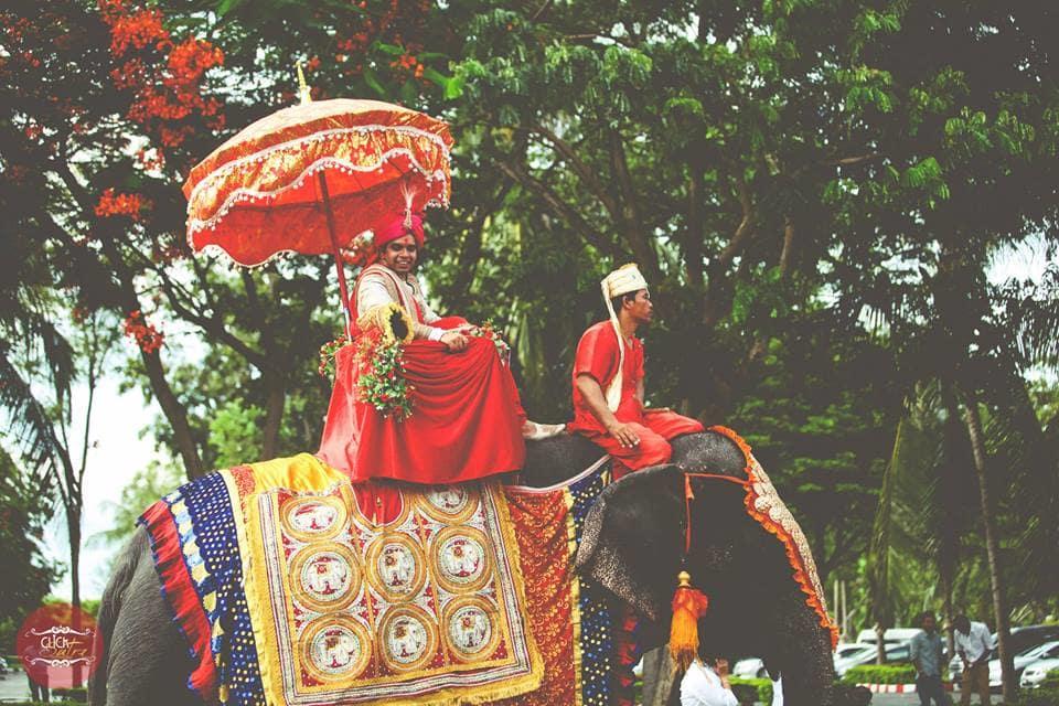 groom in baraat ceremony:click sutra