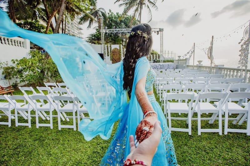 the bride shoot!:abu jani sandeep khosla, manish malhotra, tarun tahiliani, aza fashion pvt ltd, weddingnama