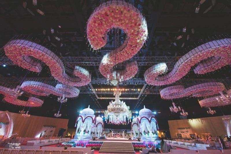 the royal wedding!:abu jani sandeep khosla, manish malhotra, tarun tahiliani, aza fashion pvt ltd, weddingnama
