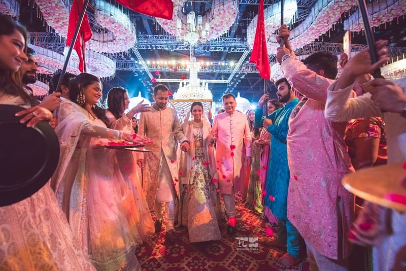 the grand wedding!:abu jani sandeep khosla, manish malhotra, tarun tahiliani, aza fashion pvt ltd, weddingnama