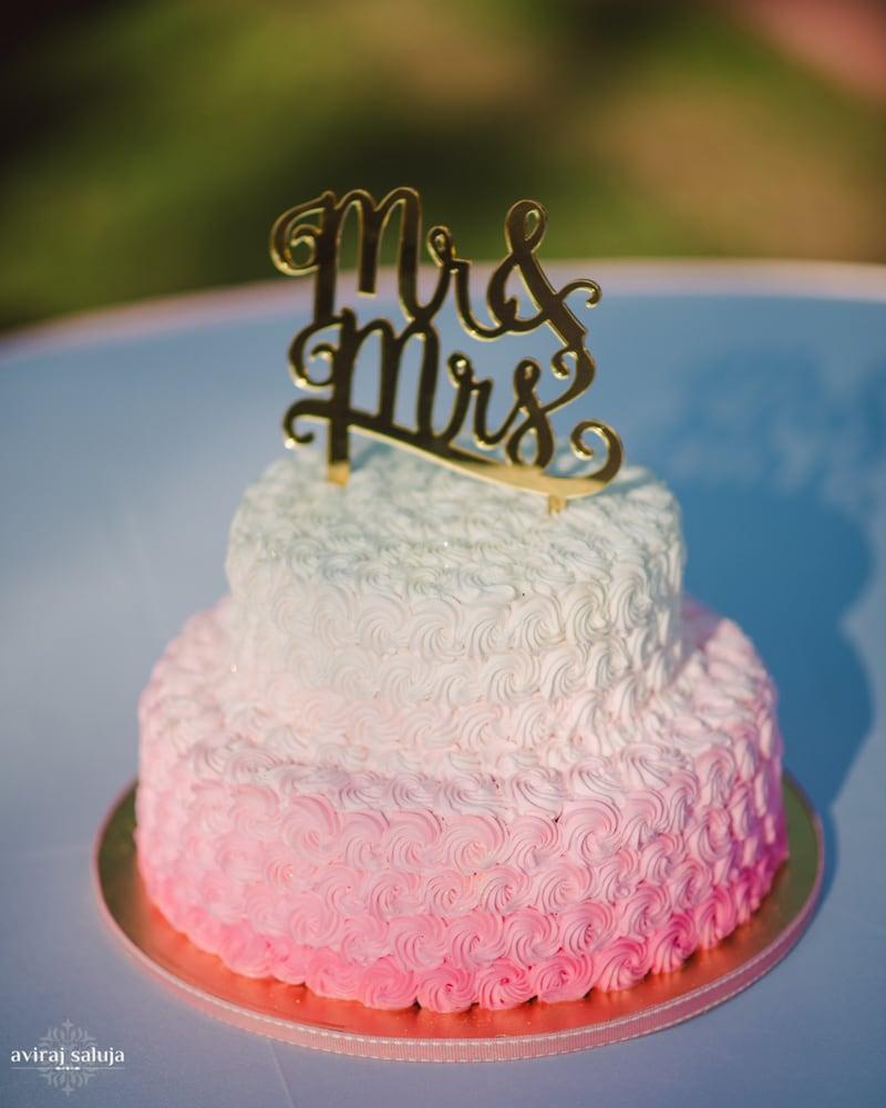 the wedding cake!:aviraj saluja, shyamal and bhumika, makeup by reema patil, sabyasachi couture pvt ltd, dolly j
