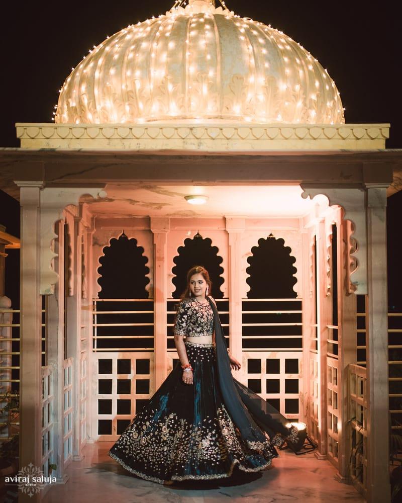 the gorgeous bride aayushi!:aviraj saluja, shyamal and bhumika, makeup by reema patil, sabyasachi couture pvt ltd, dolly j