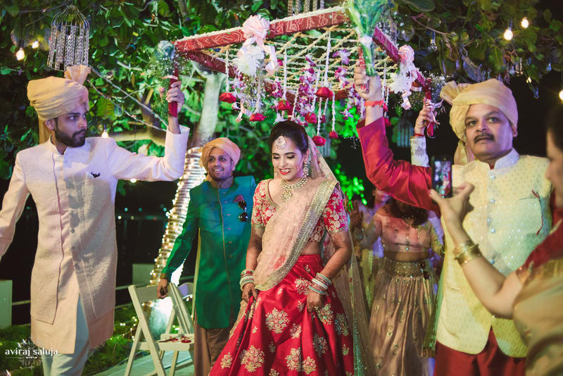 the grand bride entry!:aviraj saluja, shyamal and bhumika, makeup by reema patil, sabyasachi couture pvt ltd, dolly j