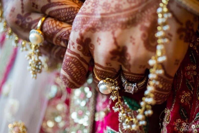 the bridal jewellery!:the oberoi, going bananas photography, shruti sharma makeup artist, sabyasachi couture pvt ltd
