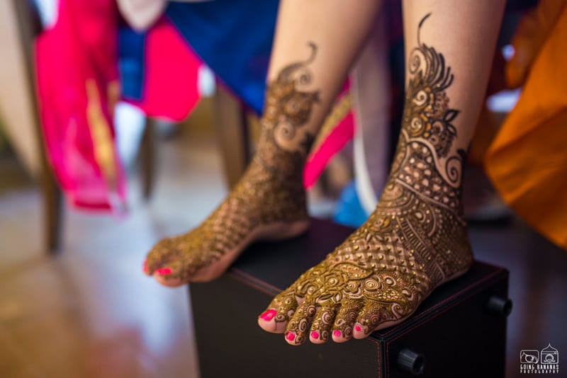 the mehandi ritual!:the oberoi, going bananas photography, shruti sharma makeup artist, sabyasachi couture pvt ltd