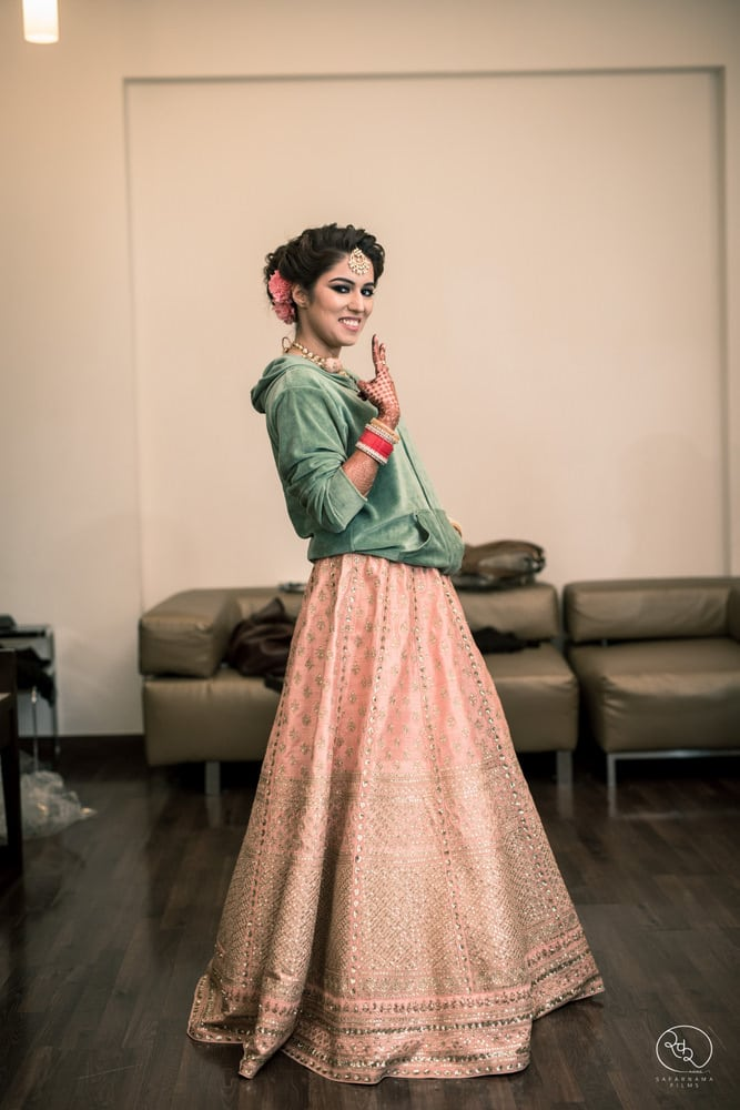 the classy bride!:country inn and suites, lakshya manwani photography, om parkash jawahar lal, isha khanna makeup artist